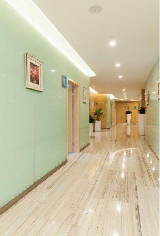 重庆联合丽格美容医院环境图5